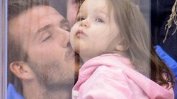 Khoảnh khắc ngọt ngào của Becks và công chúa nhỏ