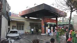 Clip: Thâm nhập hiện trường lúc đám cháy tạm thời được dập tắt