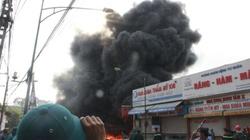 Vụ cháy cây xăng: Lửa bùng phát trở lại, dân chạy tán loạn