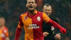 Trở lại Chelsea, Mourinho lập tức hỏi mua Sneijder