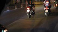 7 thanh niên đua tốc độ, lạc tay lái phi vào nhau