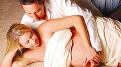 """4 tư thế """"yêu"""" cần tránh khi mang thai"""