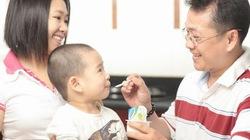 Cai sữa cho trẻ: Thỏa thuận chứ không nên dọa nạt