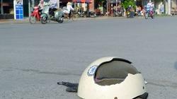 CSGT bị tố dùng mũ bảo hiểm đánh người vi phạm