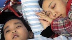 Cảm động bé 7 tuổi sẵn sàng chết để cứu mẹ và 2 người lạ