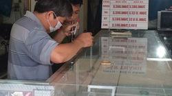 Trộm đột nhập tiệm vàng, khoắng hàng trăm chỉ vàng