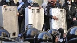 """""""Người biểu tình bị quét khỏi tòa nhà chính quyền Kharkov"""""""