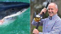 SỐC: Câu được con cá mập nặng kỷ lục 2 tấn