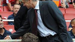Wenger hé lộ lý do bán Fabregas