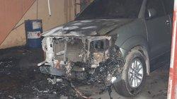Ô tô xịn bị thiêu cháy ngay trong KCN Vĩnh Tuy