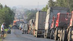Kiểm xe quá tải, nông dân... quá oải: Nông sản gánh phí vận tải