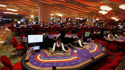 """Người Việt """"đủ điều kiện"""" sẽ được vào casino chơi?"""