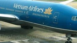 Đình chỉ tổ kỹ thuật để máy bay Vietnam Airlines rơi ốp bảo vệ