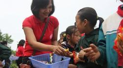 Báo Nông Thôn Ngày Nay tiếp sức cho học sinh nghèo Sa Pa