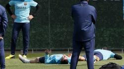"Barcelona dậy sóng: Alexis Sanchez ""tẩn"" Martino"