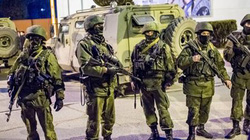 """Ukraine bắt một loạt """"sĩ quan Nga"""" hoạt động ở miền Đông?"""