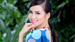 """Hoa hậu Diễm Hương: """"Phải cười... không thì khóc à?"""