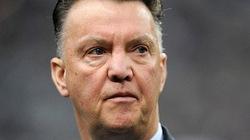 Van Gaal được hứa có 80 triệu mua sắm cầu thủ khi ngồi ghế nóng HLV M.U