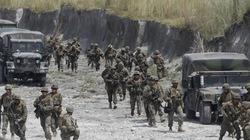 """Mỹ và Philippines ký thỏa thuận quân sự: """"Đá tảng cho hòa bình"""""""