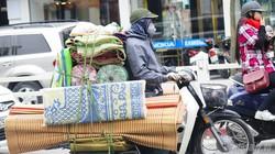 """Tây thán phục """"thói quen"""" đi xe máy của người dân Việt"""