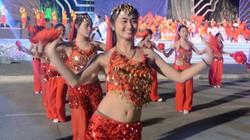 Ảnh: Những màn diễn độc đáo trong đêm tổng duyệt Carnaval Hạ Long