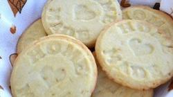 Làm bánh quy cam giòn tan cho ngày nghỉ
