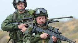 """Chuyên gia Mỹ """"sốc"""" trước quân phục đặc biệt của lính Nga"""
