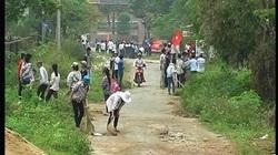 Hà Tĩnh: Các chi hội ra quân làm vệ sinh thôn xóm
