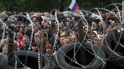Ukraine những ngày qua: Khói lửa, máu và dây thép gai