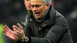 """Mourinho chửi học trò như """"chém chả"""""""