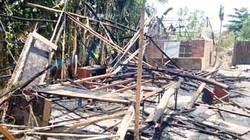 TP.HCM: Lửa cháy dữ dội giữa khu dân cư