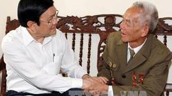Chủ tịch nước thăm chiến sĩ Điện Biên