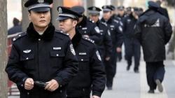 Cảnh sát Trung Quốc tuần tra đường phố Paris
