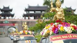 Hàng nghìn Phật tử diễu hành mừng Đại lễ Phật đản