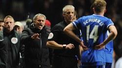 Mourinho lĩnh đủ vì vạ miệng