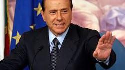 Cựu thủ tướng Italia từ hôm qua phải đi lao động công ích một năm