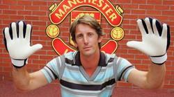Van der Sar chuẩn bị trở lại M.U?