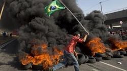 """Brazil: Đụng độ """"nảy lửa"""" trong biểu tình phản đối World Cup"""