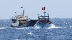 Cùng ngư dân đối mặt với tàu Trung Quốc: Thoát khỏi vòng vây...