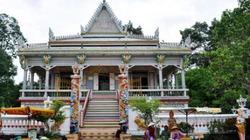 Thăm ngôi chùa được ốp từ hơn... 9.000 chiếc bát, đĩa
