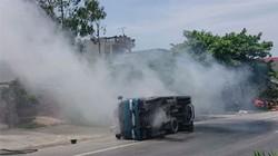 Tài xế xe tải suýt chết vì tránh chiếc... chăn bông