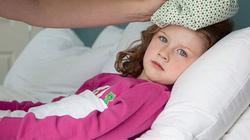 5 nhầm lẫn tai hại của phụ huynh khi trẻ sốt cao