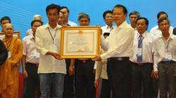 Trưởng thôn nhận bằng khen của Thủ tướng