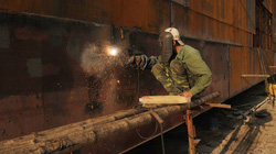 Cho vay ưu đãi để đóng tàu vỏ thép: Nên cho thuê, trả góp tàu