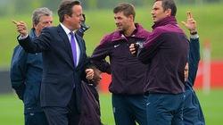 Thủ tướng Anh đến thăm hỏi, động viên Tam sư