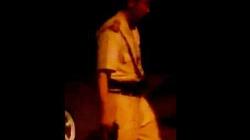 Clip: Người mặc sắc phục CSGT say rượu, nói tục, rút súng dọa dân