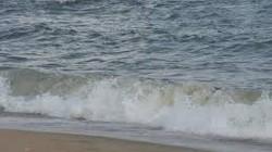 Hàn Quốc cứu được 3 người Triều Tiên trôi dạt ngoài khơi