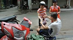 Hàng chè 4.000 đồng/nửa lít, ngày bán vài giờ ở Hà Nội
