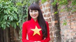 Thiếu nữ Việt duyên dáng trong áo dài màu cờ đỏ sao vàng