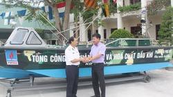 PVFCCo tặng xuồng Trường Sa CQ-01 cho Bộ Tư lệnh Hải quân